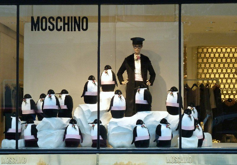 "Moschino – Ferma ""il sistema fashion"""